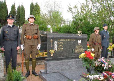 Odhalení pamětní desky Stanislavu Mikulovi, Boršice u Buchlovic, 2008
