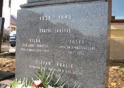 Vzpomínka na Vildu Jakše, boxera a palubního střelce RAF, Bratčice, 2009