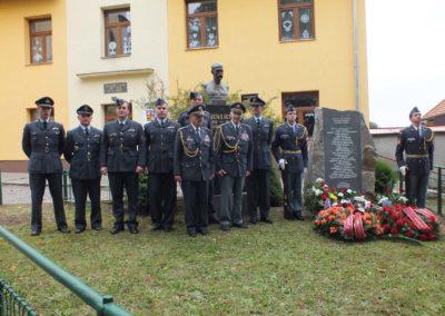 5 - Po odhalení památníku příslušníkům RAF a obětem holocaustu z Trhové Kamenice