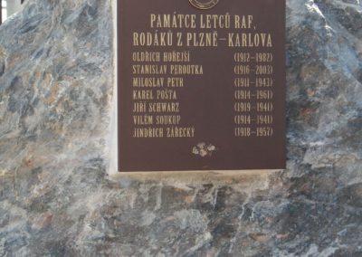 17 - Památník letcům RAF z plzeňské čtvrti Karlov