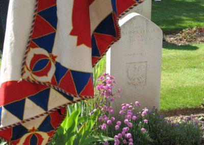 Vzpomínková cesta k hrobu Josefa Františka, pilota 303. stíhací perutě RAF, do Northwoodu, 2010