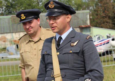 19 - Filip Procházka, zakladatel a předseda Kvh 276th Sqdn. (reenacted) RAF, z.s. a Petr Žižka, člen našeho klubu vojenské historie
