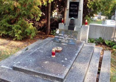 Odhalení nového náhrobního kamene Jaroslavu Libichovi, RAF a Yvonne Libichové, WAAF, Mladá Boleslav