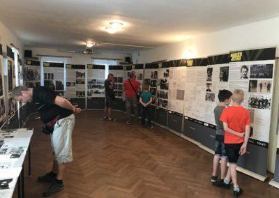Vzpomínka na výsadek Out Distance a výstava o Nebeských jezdcích